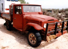 Old ute, still on the coast, shown 10 years after being painted with METALFIX