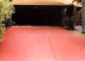 Driveway in ferric red HARDPAVE.